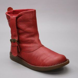 Dr. Martens Ladies 8 US Mel Tana Slouch Red